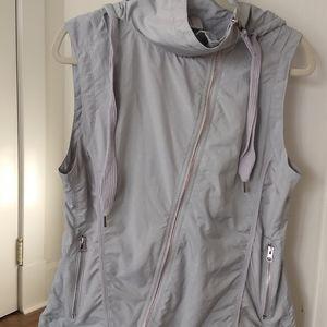Mondetta Women's Lightweight Gray Vest
